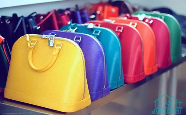 除了汽车内饰,家具沙发,服饰,飞机内饰等等之外,同时可以做包包.